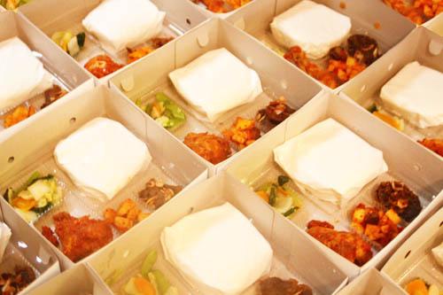 nasi box empal gepuk ayam balado