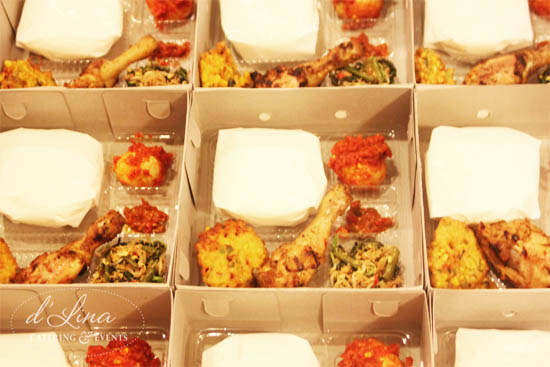 nasi box ayam bakar balado urap