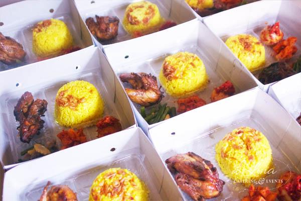 pesan-nasi-kotak-nasi-kuning-box-enak-jakarta-tangerang